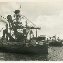 Ansichtkaart 'Schiedam Haven'.