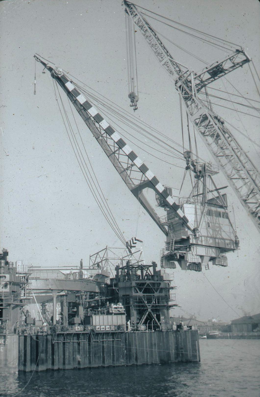 Co. 1123: Kraan voor Ile de France (1963)