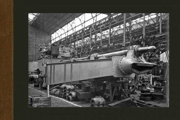Een cutterladder in aanbouw in de Machinebouwhal