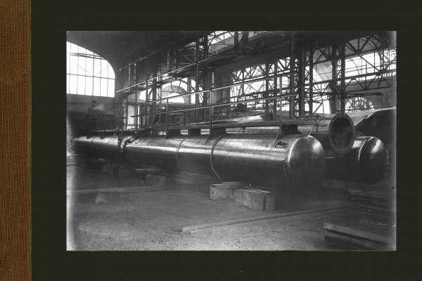 Drijvende persleiding met bolscharnier in Machinebouwhal