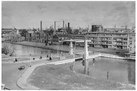 Bnr. 713 'Westerhavenbrug Schiedam' 1937, de brug in 1938 na de verfbeurt in zijn uiteindelijke kleur (grijs)