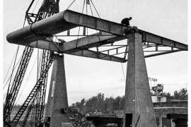 Bnr. 713 'Westerhavenbrug Schiedam' 1937, afmonteren van de Balans op de beide Hameien.