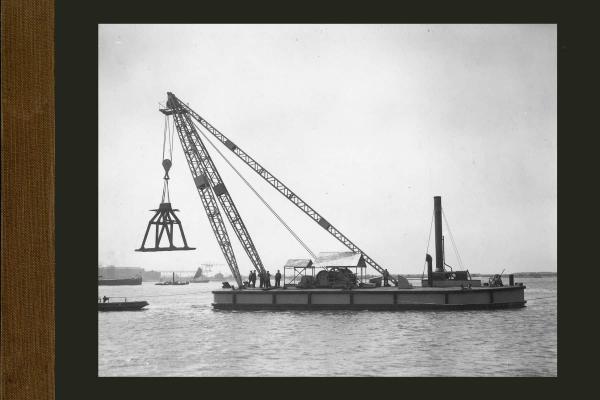 Bnr. 602 55 tons Mastbok voor de haven van Dakar