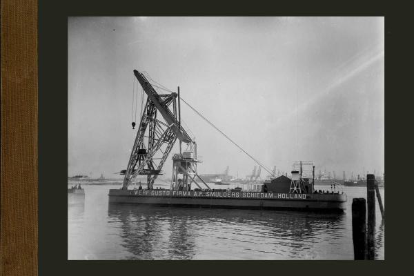 Bnr.614 80 tons drijvende kraan voor Melilla (Noord Afrika)