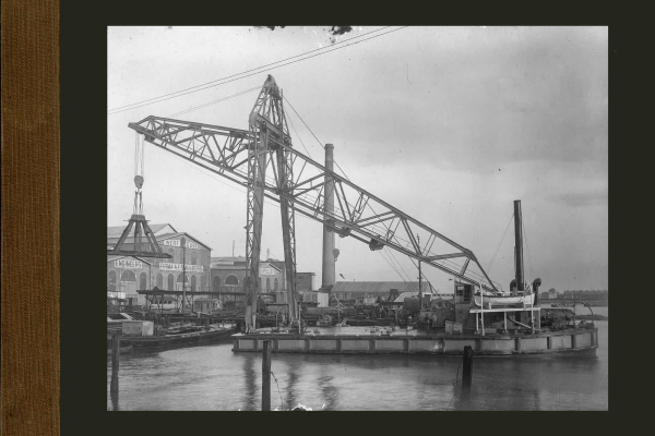 Bnr. 619 90 tons drijvende kraan voor Montevideo