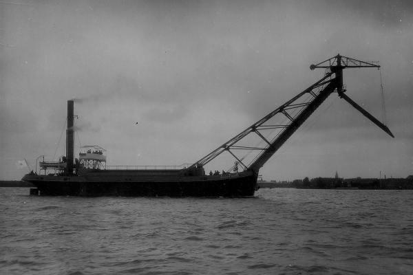 Kolentransporteur 'Bujun Maru' (Bnr. 573 - 1929).
