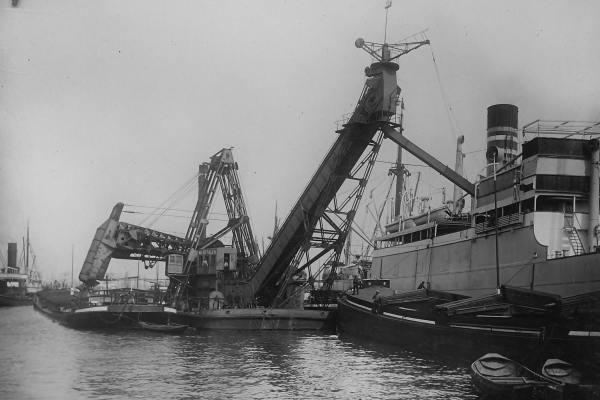 Kolentransporteur 'Westfalen' (Bnr. 430 - 1912).