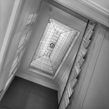 Glazen lichtkoepel trappenhuis van het hoofdkantoor te Schiedam.