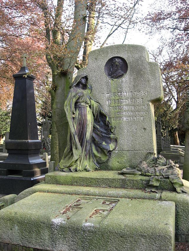 Grafsteen van A.F. Smulders (1839 - 1908)