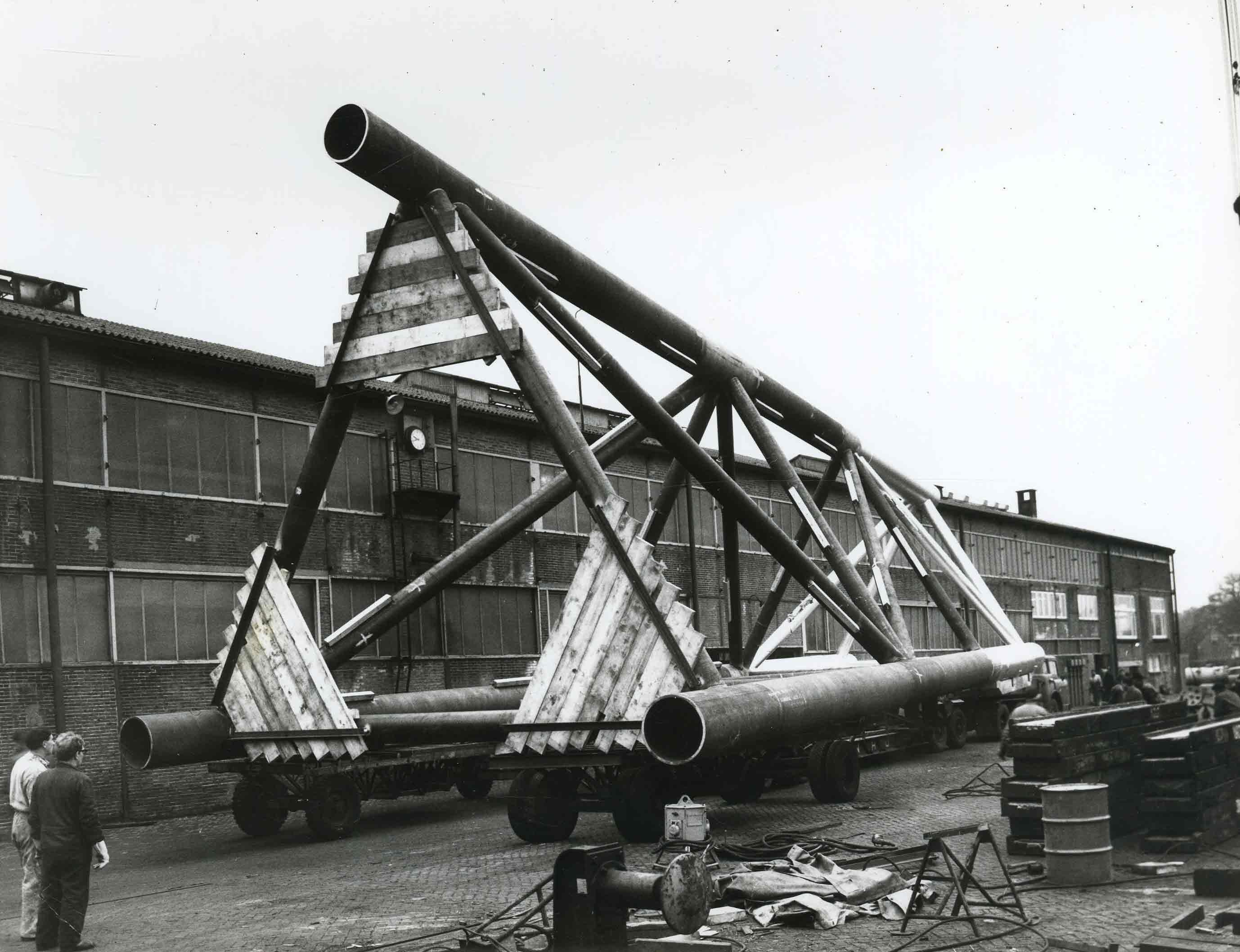 Bnr. 368: 3 Stalen Platforms (1968)