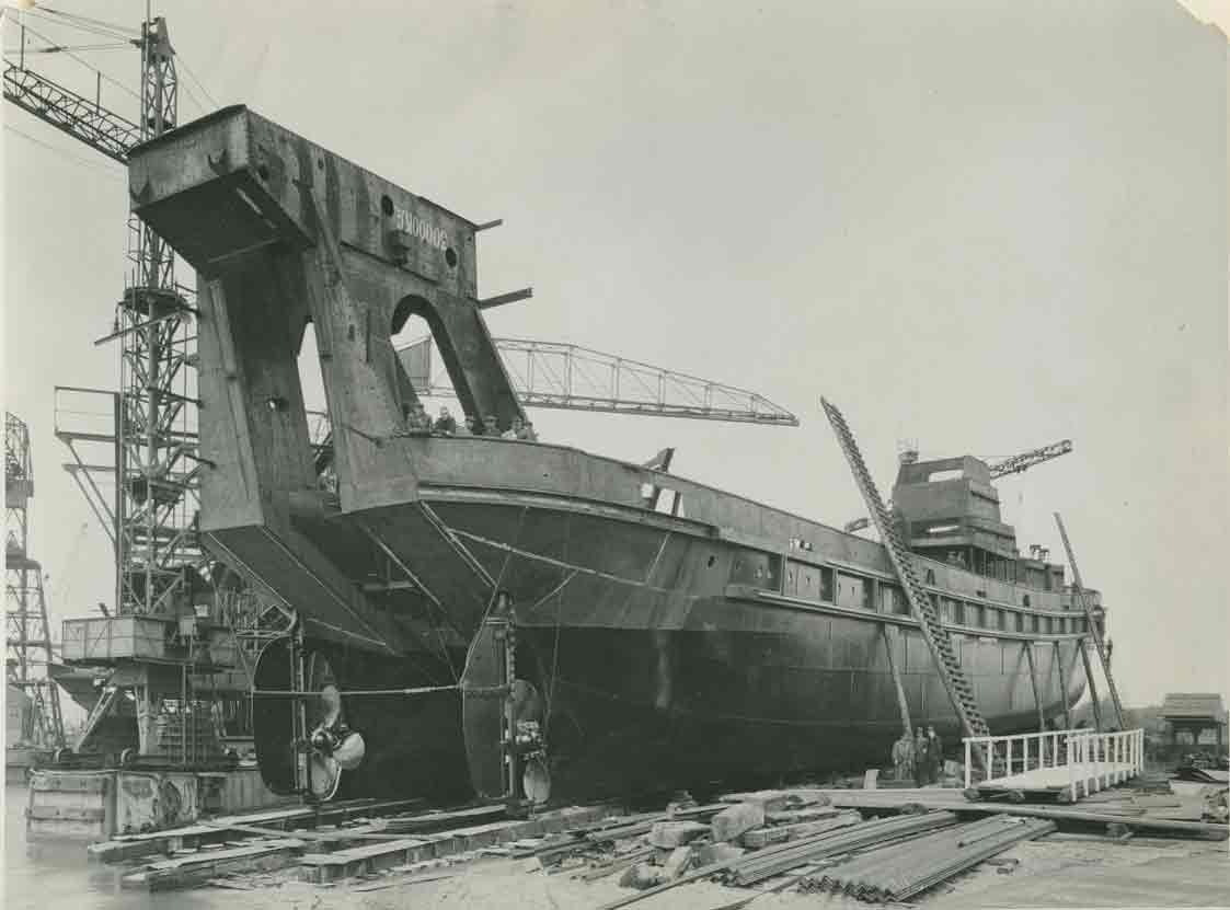 Bnr. 735: Lena (1938)