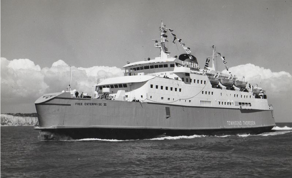 De Free Enterprise VI op weg naar Dover